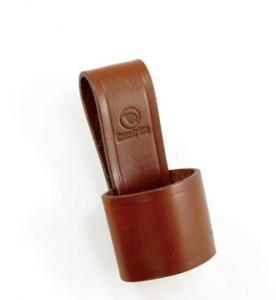Yxhållare av brunt läder från Casström.