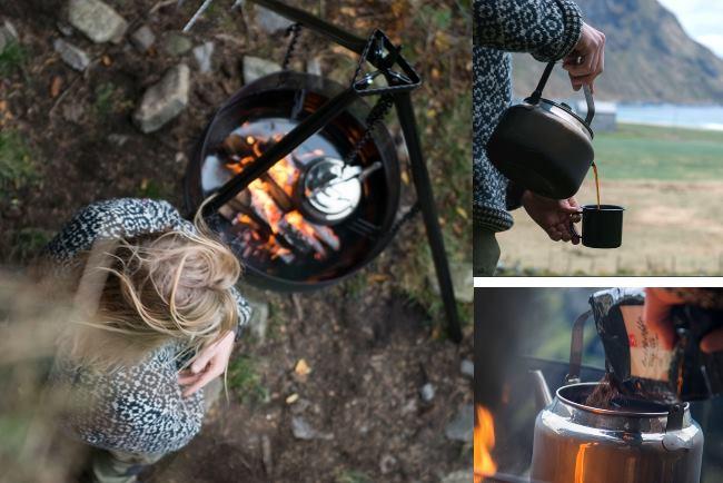 Koka kokkaffe i kaffepanna över braspanna eller lägereld.
